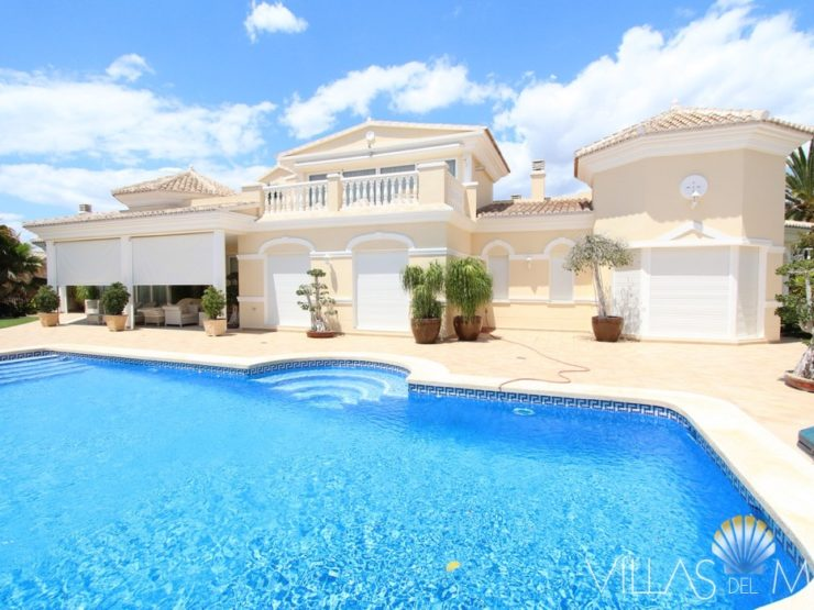 Magnificent Villa in Calpe close to the sea and all amenities!