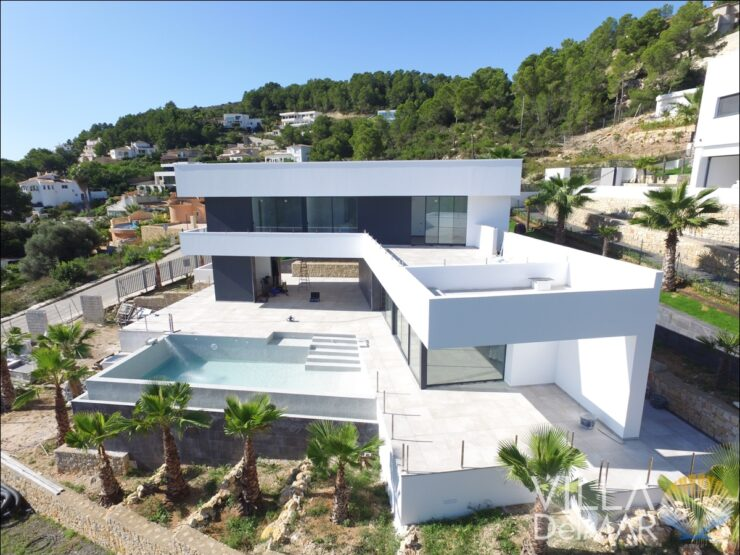 Javea – Impressive new build villa with sea views!